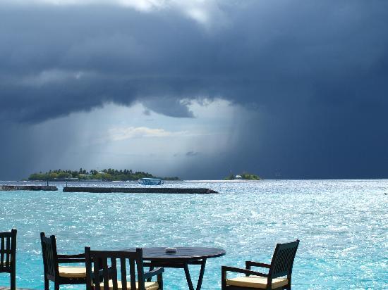 Cinnamon Dhonveli Maldives: Afternoon Storm