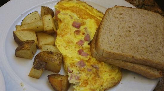 Hilton Garden Inn Napa : Breakfast - Ham/cheese omelete