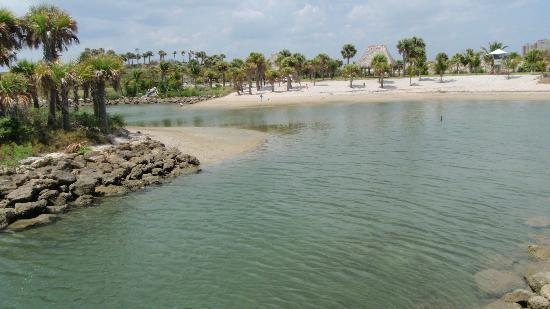Peanut Island Park: quiet and tranquil areas