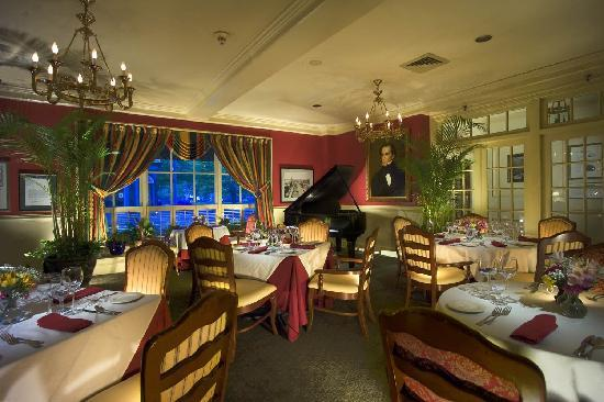 Hawthorne Hotel: Enjoy breakfast, dinner and Sunday Jazz Brunch in Nathaniel's