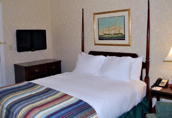 Hawthorne Hotel: Newly renovated rooms and guest bathrooms