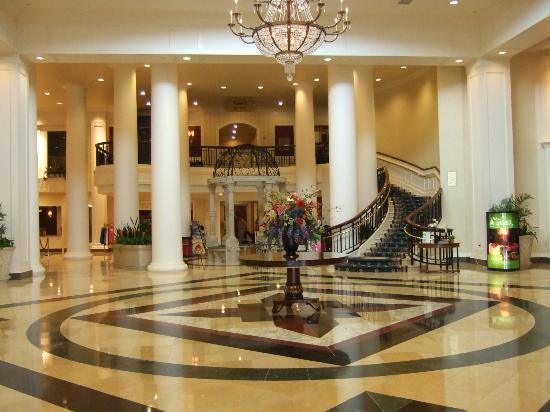 Dover Downs Hotel & Casino: Hotel Lobby