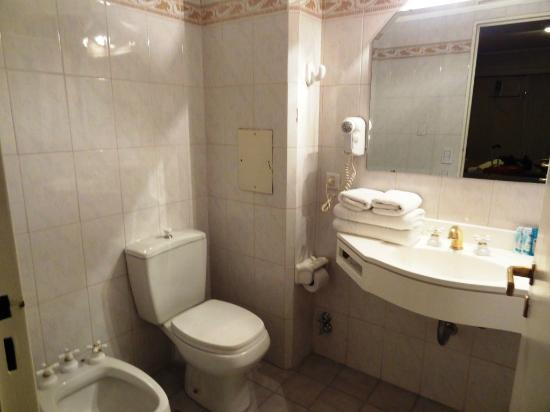 Tritone Hotel: Banheiro