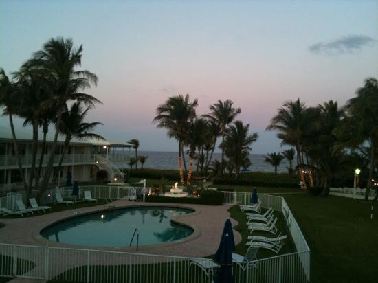 Wright by the Sea: view from room @ sunset