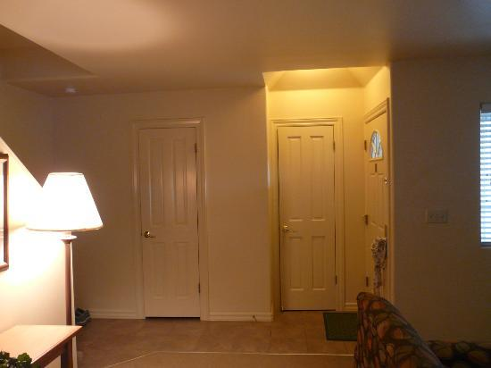 WorldMark Bass Lake: Front entry closet/bathroom off the living room