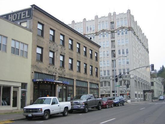 Commodore Hotel: View from the street