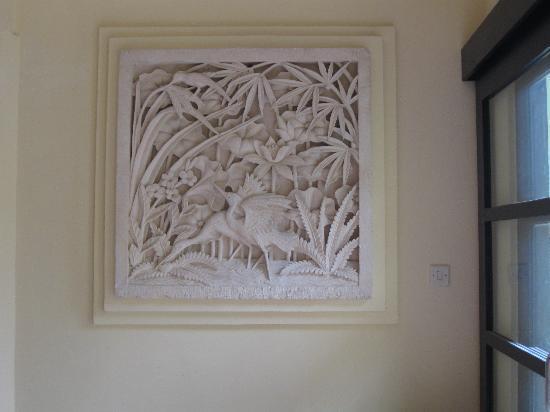 Villa Ginawati B&B: scultura indonesiana