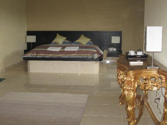 Villa Ginawati B&B : La suite Angrek