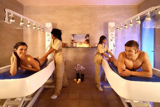 Ferentino, Italy: Provate il massaggio di coppia sottopioggia termale filiforme...