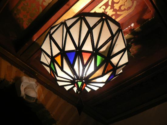 Riad & Spa Mabrouk: Lamp