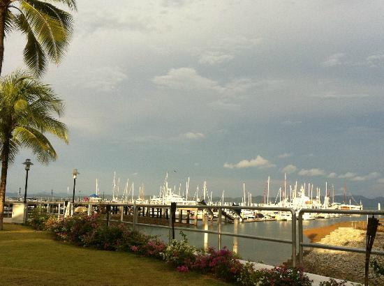 Quarterdeck: beautiful yachts overlooking from the restaurant