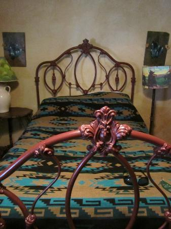 Dixie Dude Ranch : Our room - The Stirrup