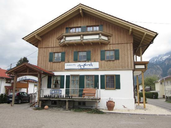 Landhotel Guglhupf: ホテルの外観