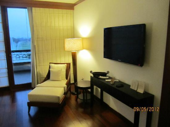 Jaypee Greens Golf and Spa Resort: Sitting inside the room