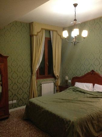 Al Palazzetto: our room