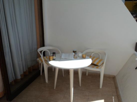 Las Arenas Apartamentos: Terraza
