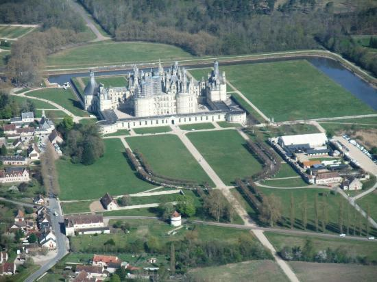 Le Belvedere Bed and Breakfast: Flight over Chambord with Jean-Renaud
