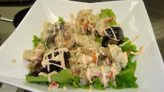 Фигаро: Seafood Salad