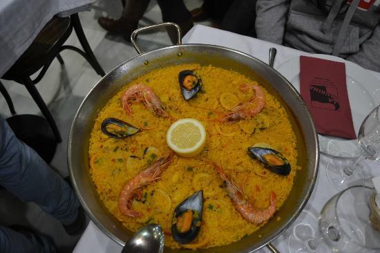 Hostal Aguilar: Paella