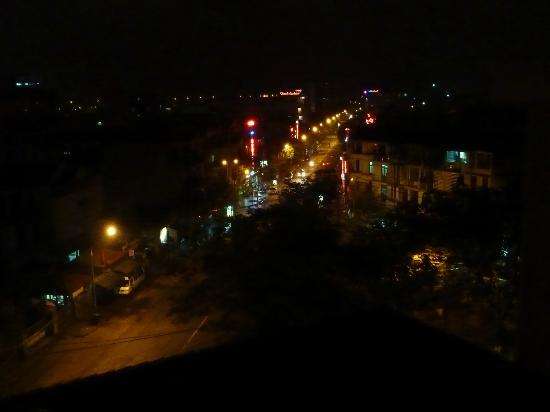 Park View Hue Hotel: Night view from our balcony