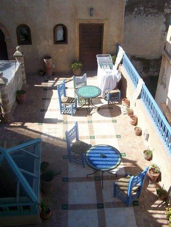 Riad La Rose des Vents: vue sur la première terrasse