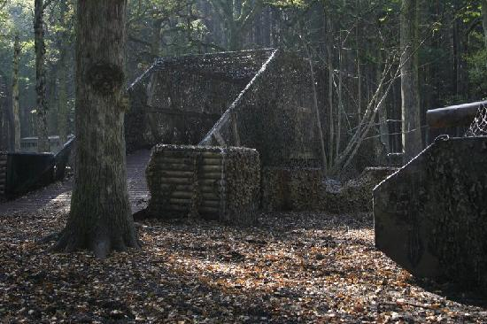 Delta Force Paintball Holmes Chapel: Keep moving on the bridge!