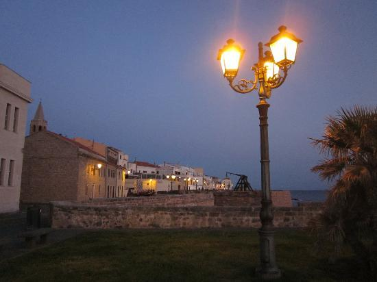 Lloc d'Or B&B: avond in Alghero
