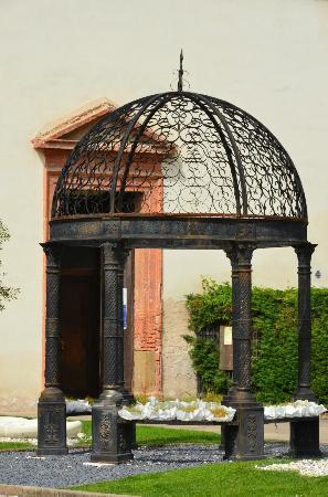Montegrotto Terme, Italy: davanti alla chiesa parrocchiale