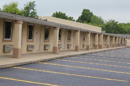 Somatel Goodlettsville: Exterior