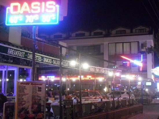 Oasis Restaurant & Bar: New for 2012