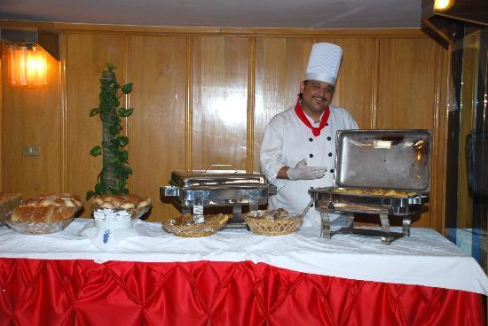 Red Sea Hotel: مطعم الفندق