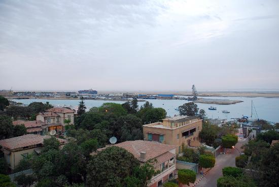 Red Sea Hotel: منظر من الفندق يطل على القناة