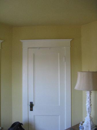 Artist's House Bed & Breakfast: Closet Door, love the molding.