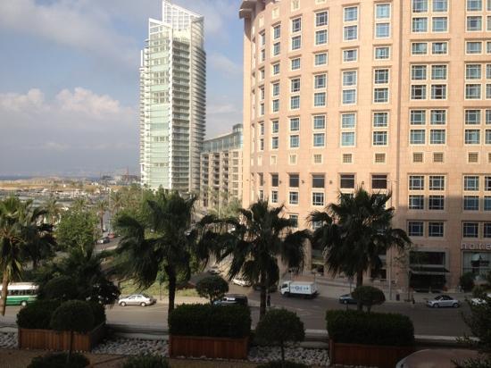 Phoenicia Hotel: balcony view