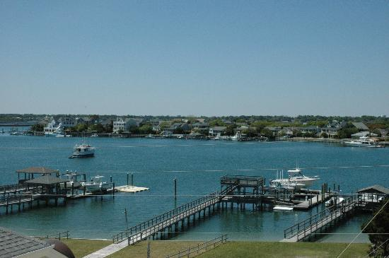 Summer Sands Suites: Harbor View of Banks Channel