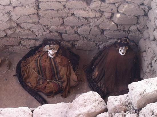 Mystery Peru: Momias, del cementerio en Nasca
