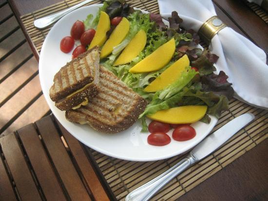 Pousada Picinguaba: Lunch at Pousada
