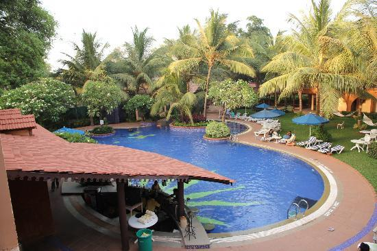 Lemon Tree Amarante Beach Resort Goa Pool With A Bar