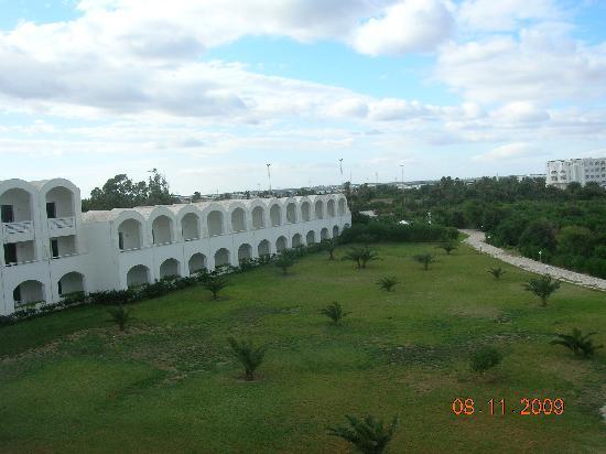 Kuriat Palace: jardin de l'hotel
