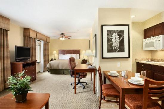 Homewood Suites by Hilton Denver Littleton: Spacious King Studio Suite w/ Full Kitchen