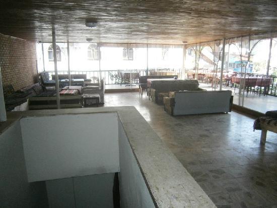 Mustafa Hotel: upper terrace restaurant