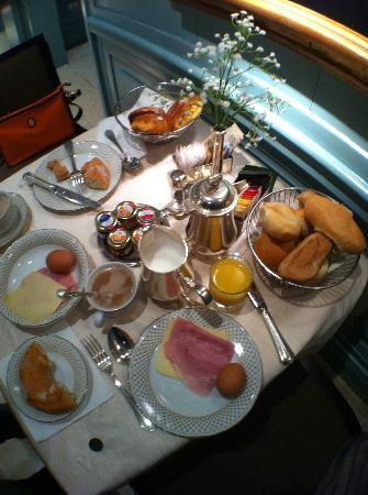 Hotel Stendhal: Breakfast fair