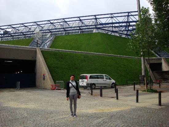 Ibis Styles Paris Bercy : Palais Omnisports  justo al lado del hotel