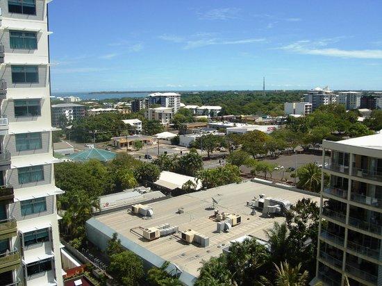 DoubleTree by Hilton Hotel Esplanade Darwin: Over Looking Fanny Bay from Hotel Room