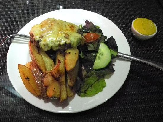 """Georgina's Cafe: The """"York Burger"""" - excellent!"""