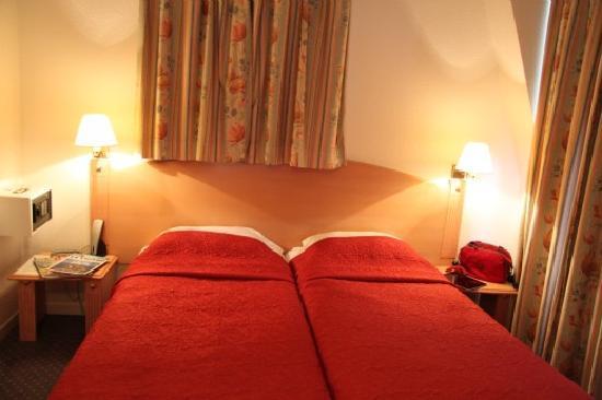 Paris Saint-Cloud Hotel : Chambre Twin