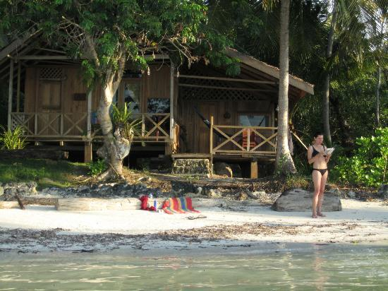 Merveilleux Island Retreat: Beachfront Cabins! Just Roll Out Of Bed And Youu0027re On