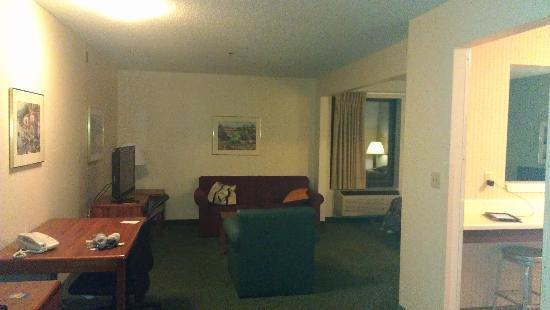 Extended Stay America - Rockford - State Street: Bedroom Area