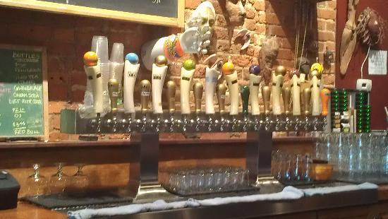 Galesburg, MI: Tap Selection