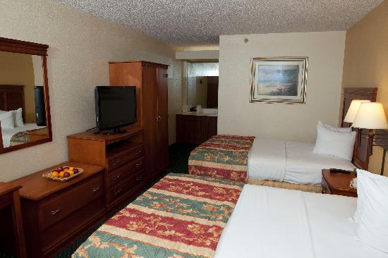 Quality Inn: Standard Room with Two Double Beds